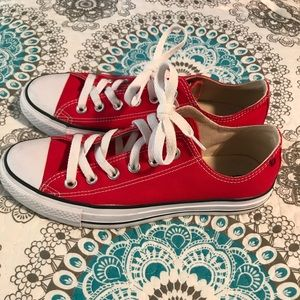 Red Converse 8.5 women's.   Like New.